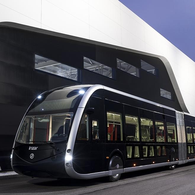 Design inspirovaný tramvajemi – to je nový Irizar ie tram, elektrobus španělského výrobce určený primárně pro provoz v BRT systémech. (foto: Irizar)