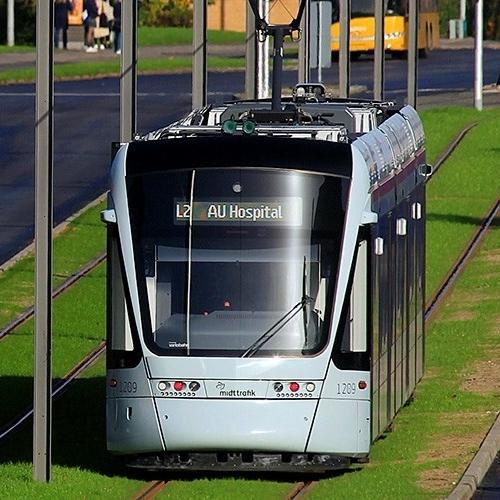 Tramvaj Stadler Variobahn během zkoušek v Aarhusu.(foto: Aarhus Letbanen)