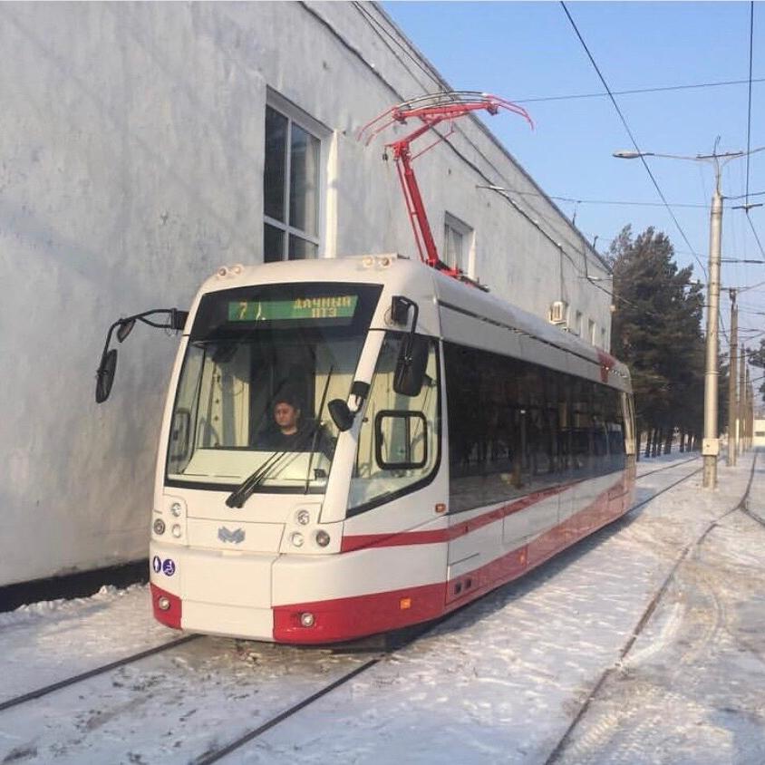 Tramvaj BKM 802E v kazašském Pavlodaru. (foto: Belkommunmaš)