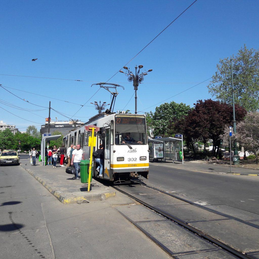 Tramvaj typu V3A-93 u centra města. (foto: Vít Hinčica)