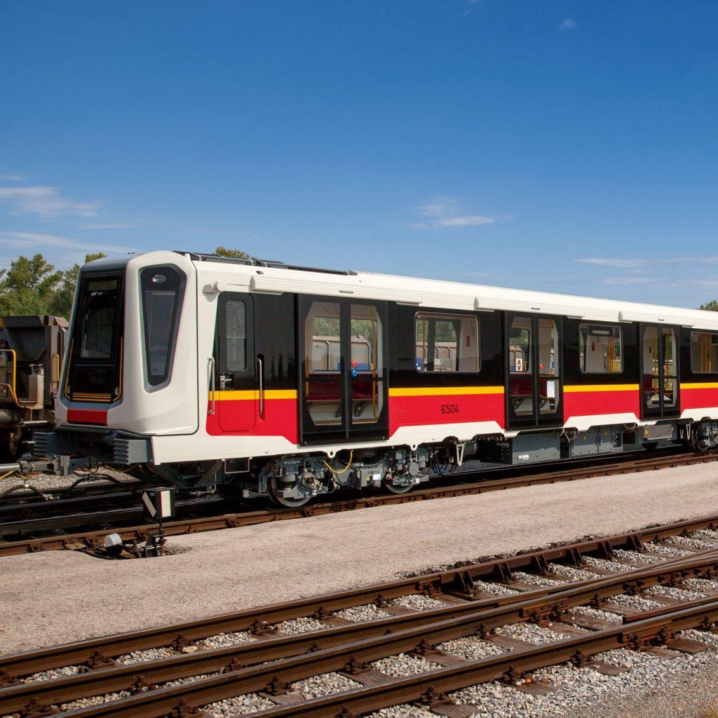Poslední nové soupravy metra pro Varšavu dodal Siemens. Jednalo se o jednotky Inspiro, s nimiž se snaží firma prosadit i v aktuálním tendru na až 45 vlaků. (foto: Siemens)