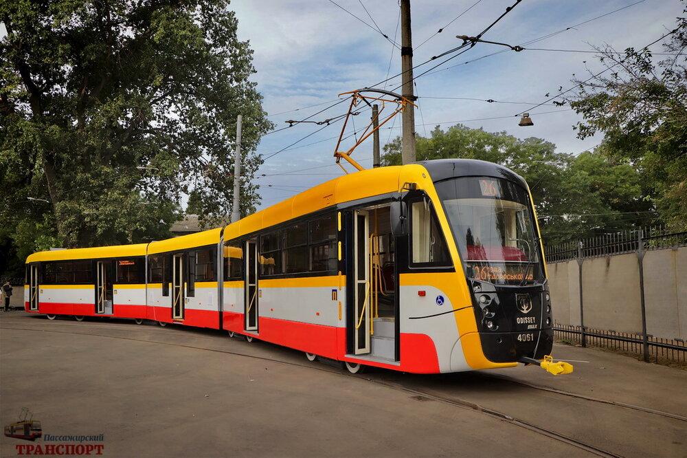 """Nová modernizace tramvají T3 ve formě vozu K3R-N """"OdisseyMax"""". (foto: ПАССАЖИРСКИЙ ТРАНСПОРТ)"""