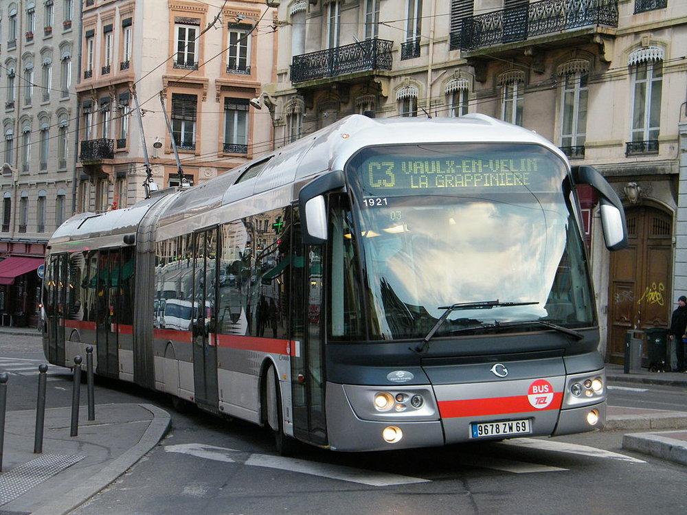 Trolejbus v Lyonu. (foto: Wikipedia)