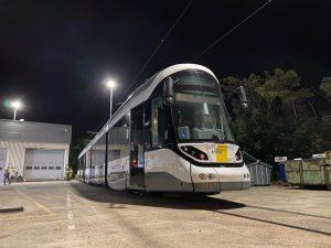 Nejdelší tramvajová trať na světě má první novou tramvaj CAF