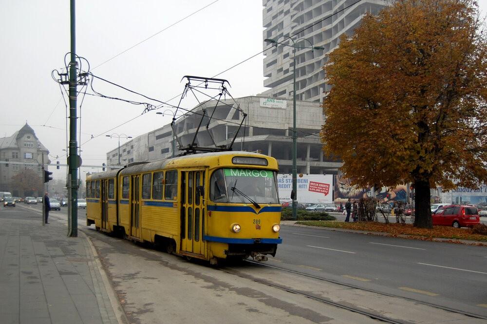 Tramvaj K2 v Sarajevu. (foto: Milan Suvajac; zdroj: Wikipedia.org)