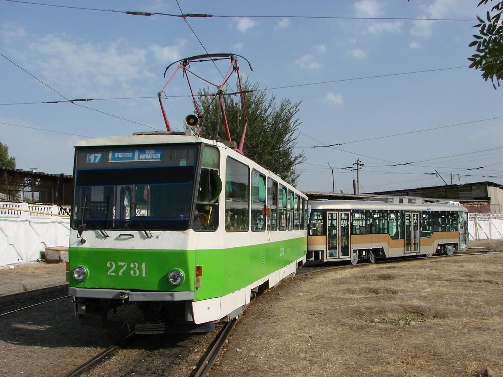 Příjezd první tramvaje VarioLF.S do Taškentu. Po 5 letech provozu se připravuje město na odprodej českých tramvají. (foto: Sergej Kivenko)