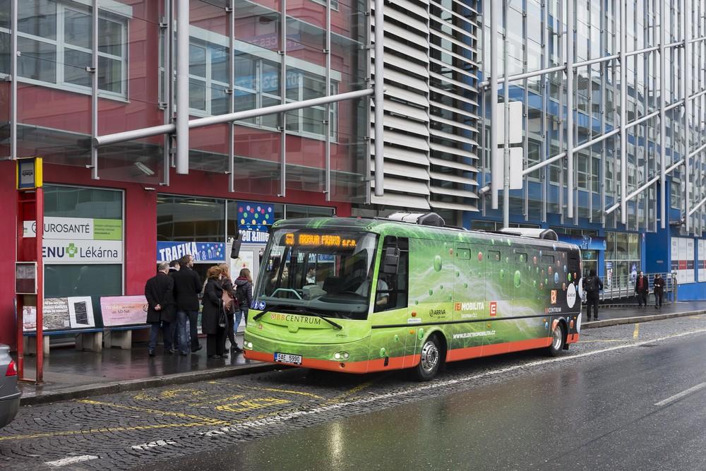 Pro linky BB1 a BB2 byly pořízeny dva elektrobusy SOR EBN 9,5. (foto: ARRIVA Praha)