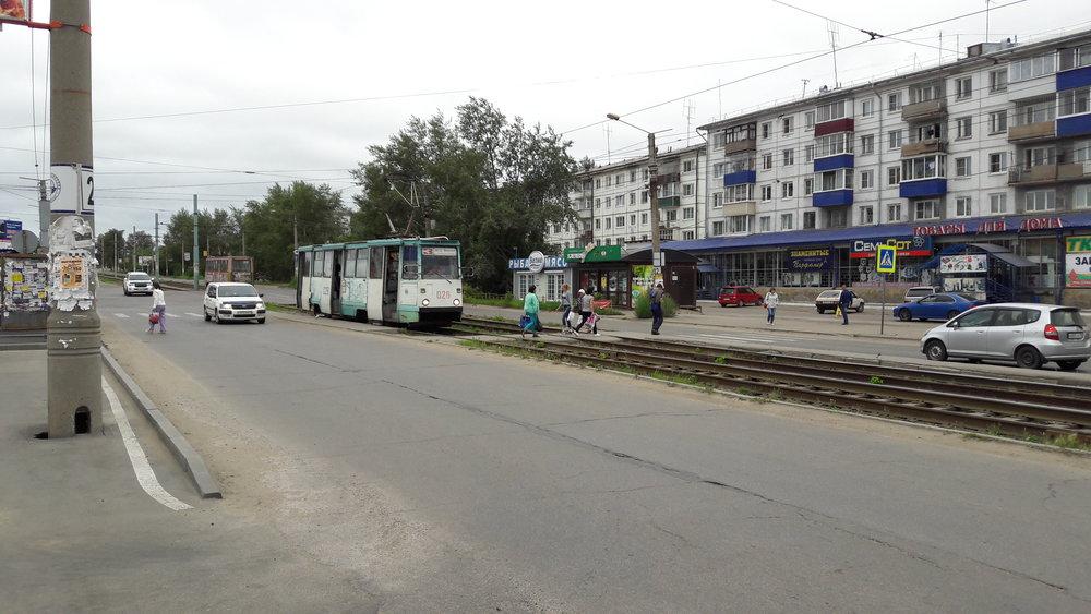 Mezi nádražím a zastávkou Privokzal'nyj