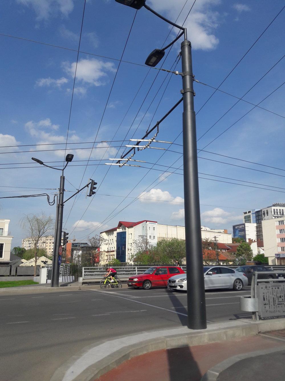 Trolejbusová síť byla podstatně rekonstruována.