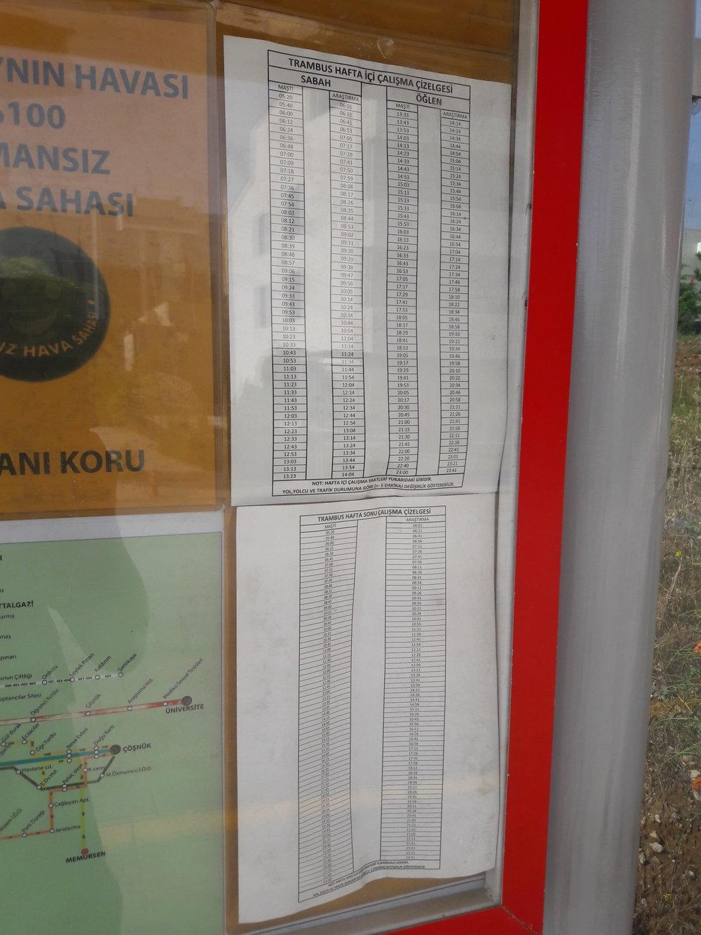 Jízdní řád je už starý. Trolejbusy jezdí po většinu dne každých 5 až 8 minut.