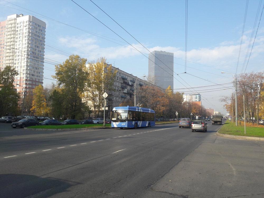 Krasnoputilovskaja ulice najihu města dne 17. 10. 2018.