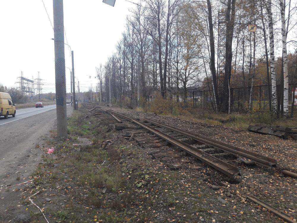 Nakonci září začaly být trhány koleje ve směru za smyčkou ulica Kommuny. Linka č. 30 pokračující nakonečnou Rževka byla zrušena.