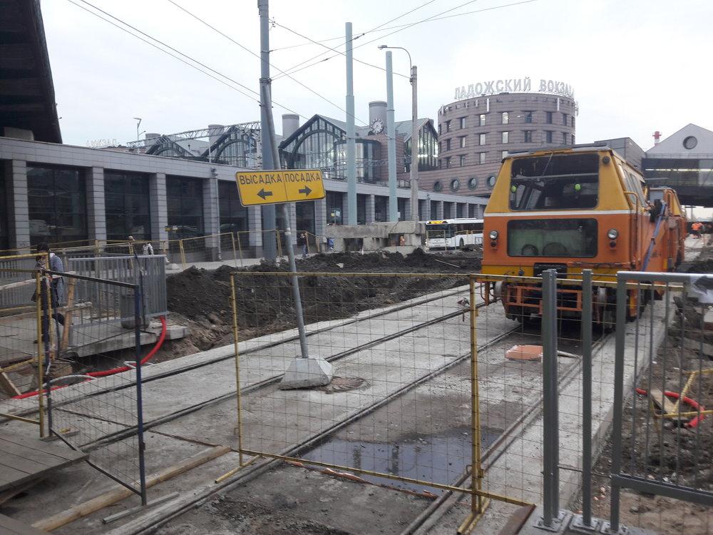U stanice metra Ladožskaja vzniká velký přestupní terminál.
