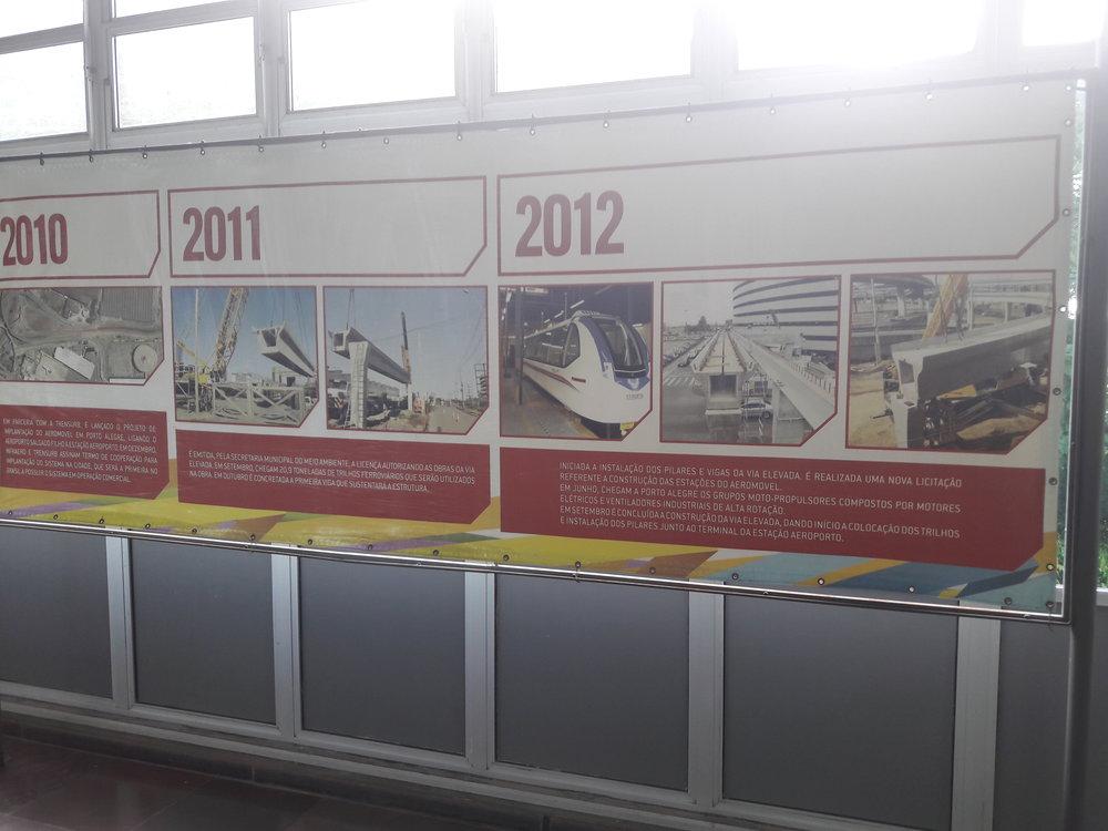 Vhale stanice Aeroporto je možné prohlédnout si výstavku věnovanou historii projektu.