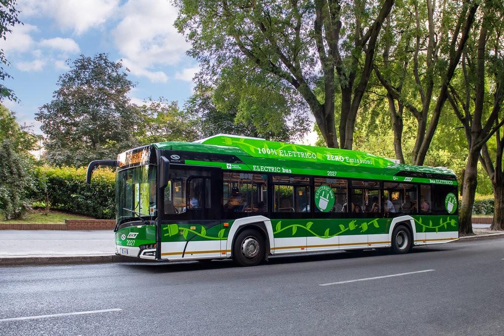 Autobus Solaris Urbino 12 electric v Miláně. (foto: Solaris Bus & Coach)