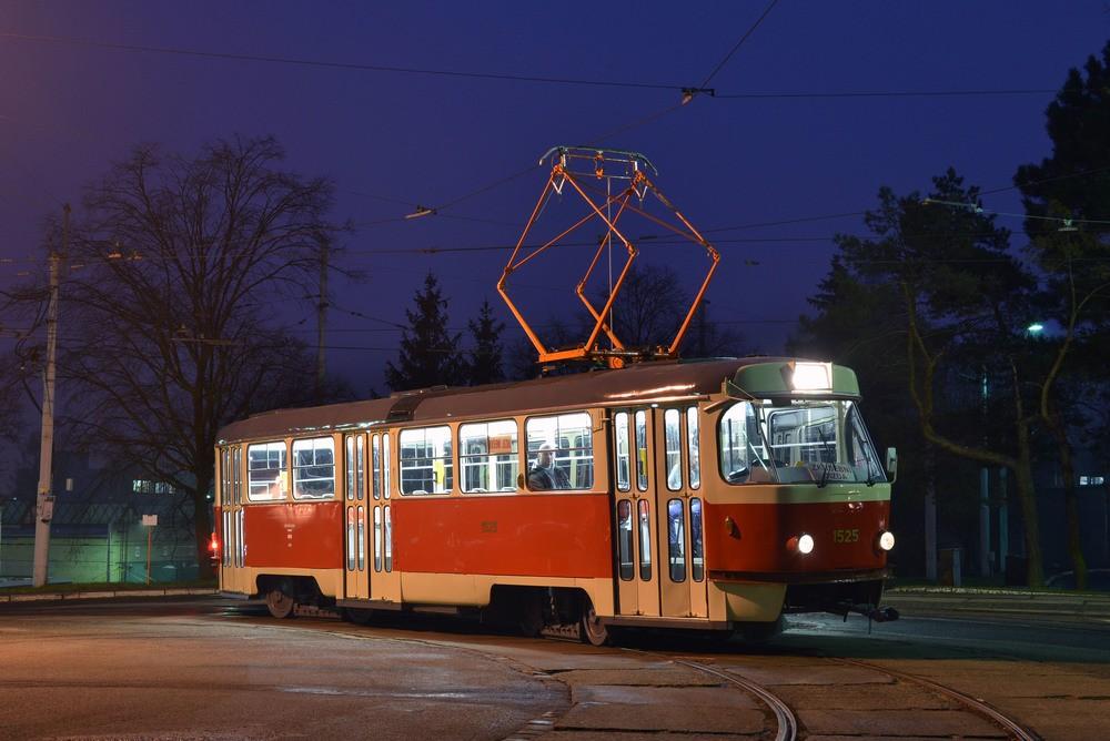 Vzorně rekonstruovaný vůz T3 ev. č. 1525 brněnského DP. (foto: Ing. Jiří Černý).