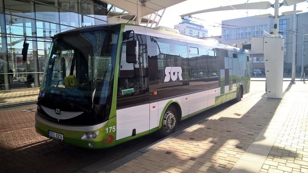 Zařízení bude sloužit ke zkušebnímu nabíjení elektrobusu SOR EBN 11. (foto: DPMHK)