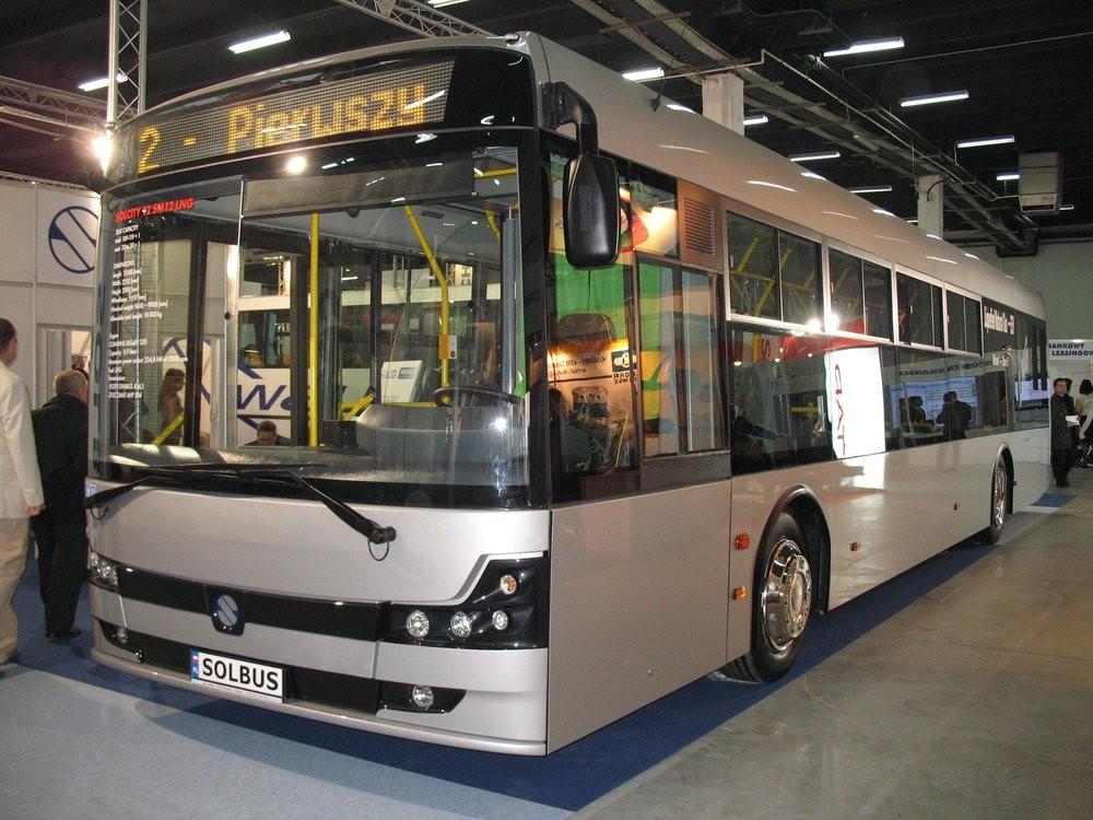 Přestože Solbus zkrachoval, MZA na jejich autobusy s pohonem na LNG nedá dopustit. Vozidla mají být velmi spolehlivá a palivo samotné nezatíženo spotřební daní. (zdroj: Wikipedia.org)