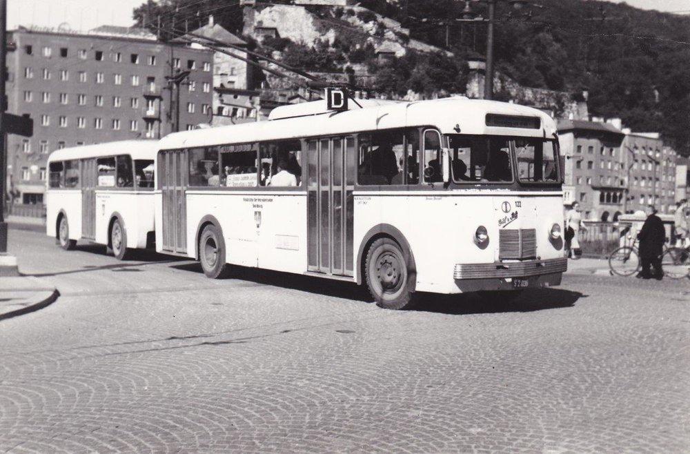 Trolejbus typu EO 1 v Salzburgu. (sbírka: Gunter Mackinger)