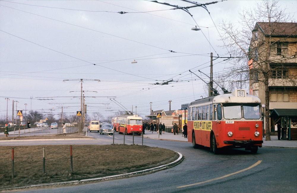 Trolejbusy ve Stockholmu v roce 1964. (zdroj: Wikipedia.org)