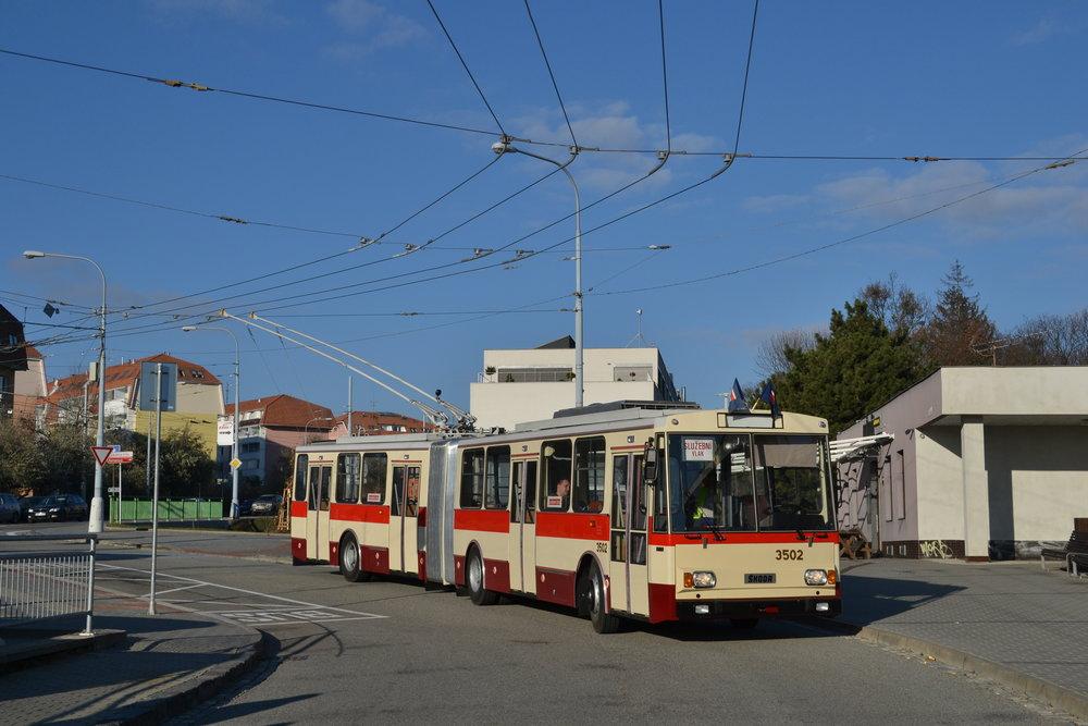 Repasovaný trolejbus Škoda 15 Tr ev. č. 3502. (foto: Ing. Jiří Černý)