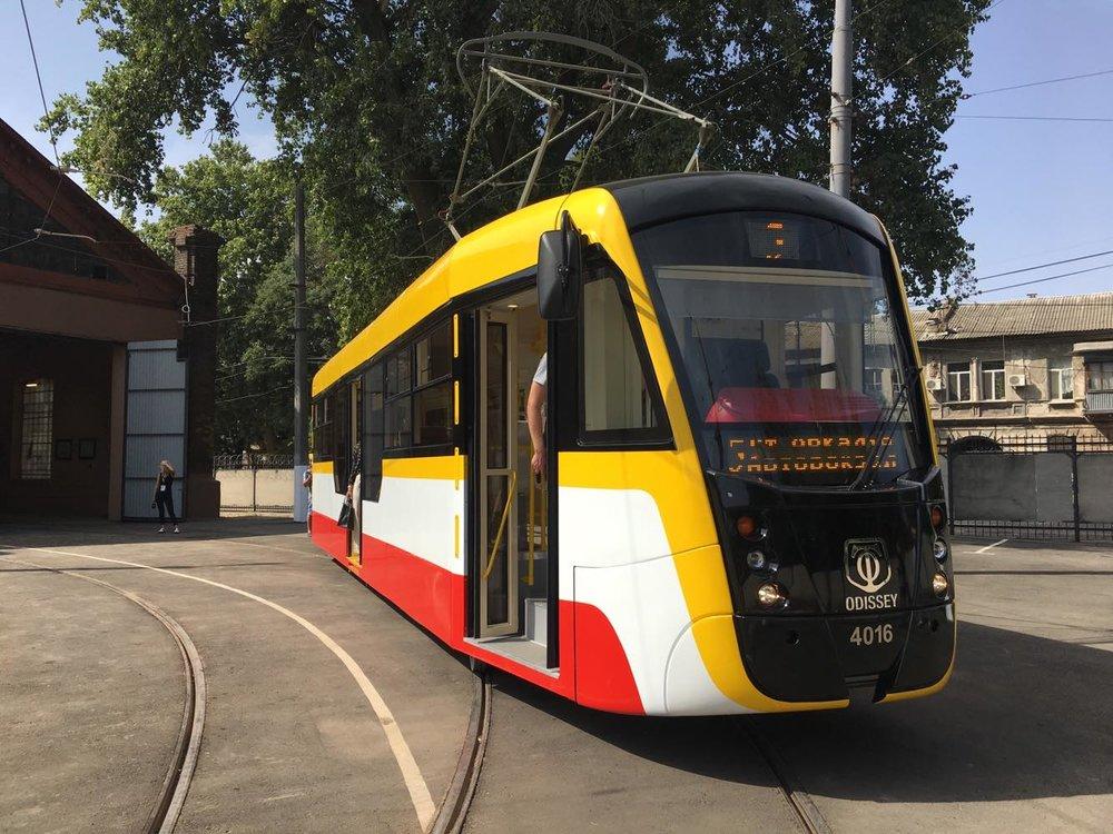 Nová verze částečně nízkopodlažní tramvaje T-3UA-3 zvaná Odissey. (foto: Sasha Tram)