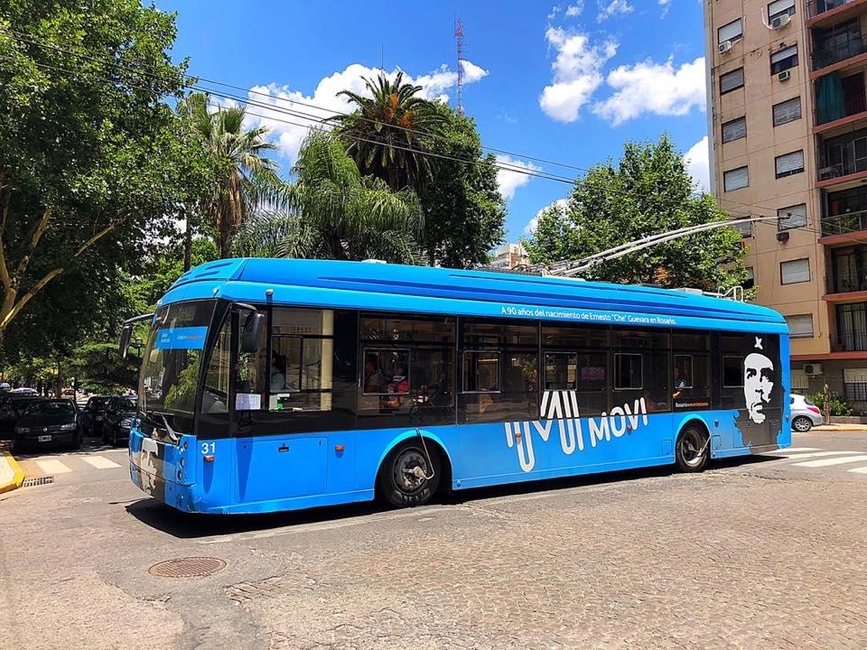 Trolejbus v argentinském Rosariu. V Asunciónu by se tímto provozem rádi inspirovali. Z Rosaria má naše redakce jednu horkou novinku, o které budeme brzy reportovat. (foto: Trolebuses Rosarinos; prosinec 2018)