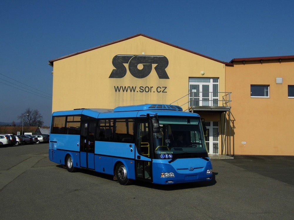 Jeden z 27 autobusů SOR pro bulharský Sliven v jednom z areálů výrobce v Libchavách. (foto: Martin Plačko, www.mhdzive.cz)