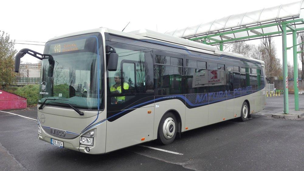 Plynový Crossway LE se představil oficiálně v Belgii, nyní si jej mohou vyzkoušet cestující mezi Ostravou a Havířovem. (foto: 3ČSAD)