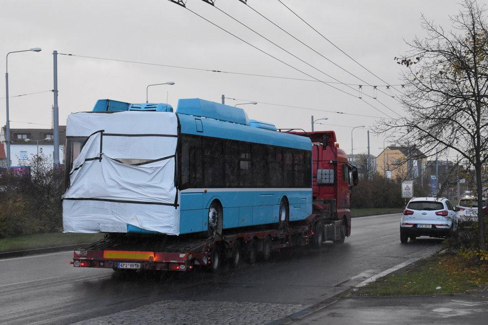 Pohled na vůz Škoda 26 Tr pro Ostravu v novém laku. (foto: Bc. Zdeněk Kresa)