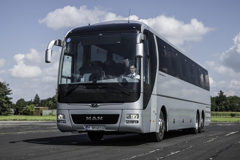 Standardní provedení zájezdového autobusu MAN Lion's Coach. (foto: MAN Truck & Bus)