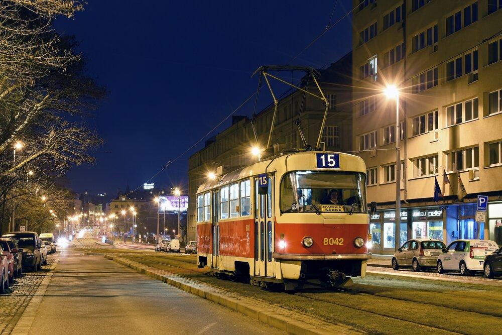 Opravou v Ostravě projde i tento vůz T3M ev. č. 8042. (foto. Honza Tran)