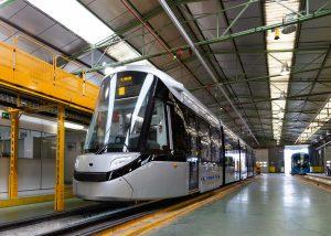 CAF dodá tramvaje do Stockholmu a Amsterdamu, soupravy metra pak pro Neapol