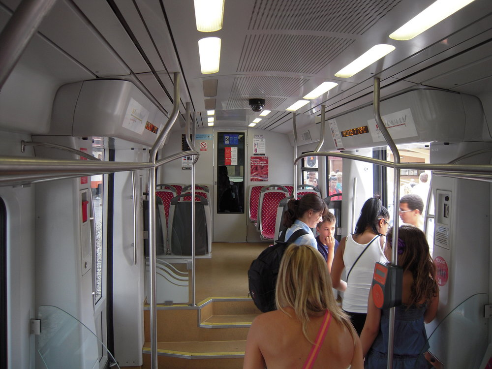 Interiér tramvaje Vossloh řady 4100