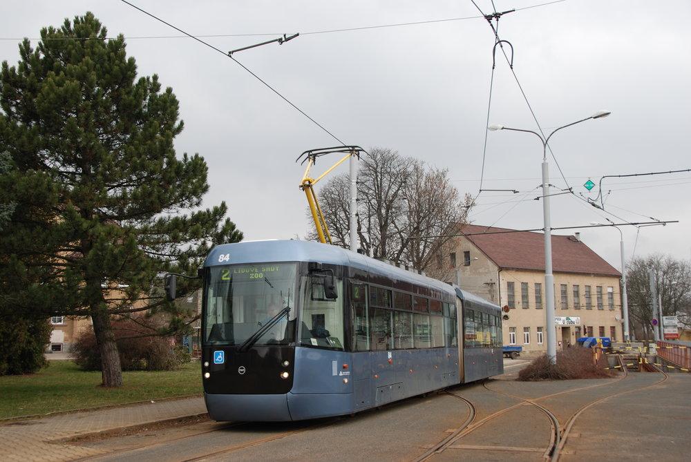 Tramvaj EVO2 je bezpochyby žhavý kandidát na vítěze brněnského tendru. (foto: Libor Hinčica)