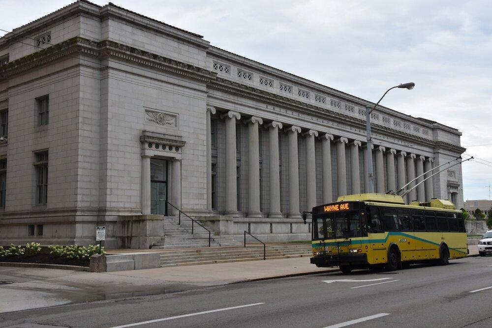 Trolejbus Škoda 14 TrE v centru Daytonu v srpnu 2019. (foto: Libor Hinčica)