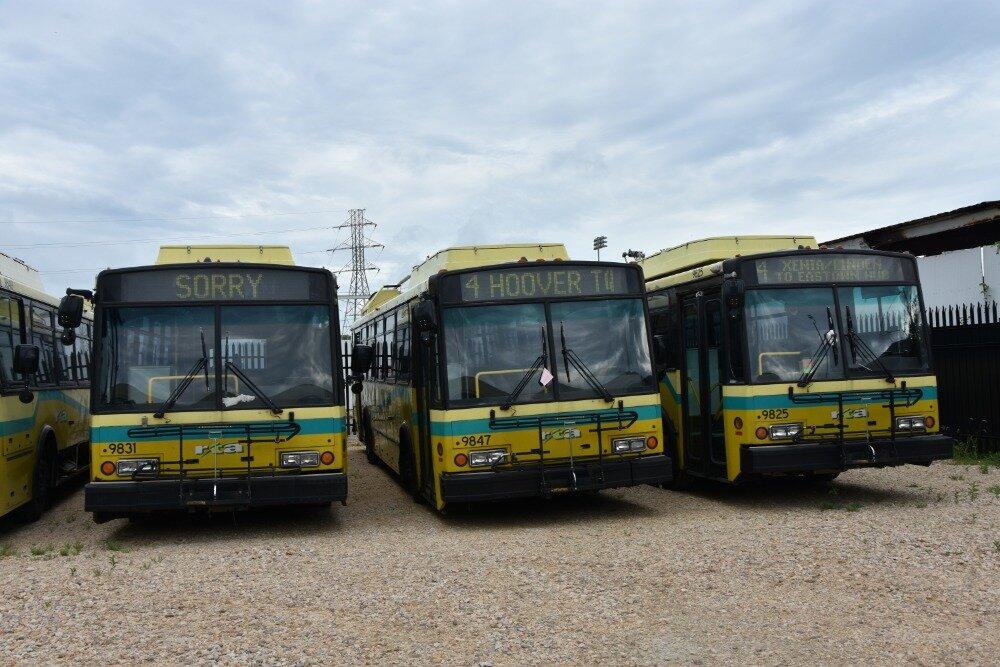 Vyřazené české trolejbusy Škoda 14 TrE2 v Daytonu. (foto: Libor Hinčica)