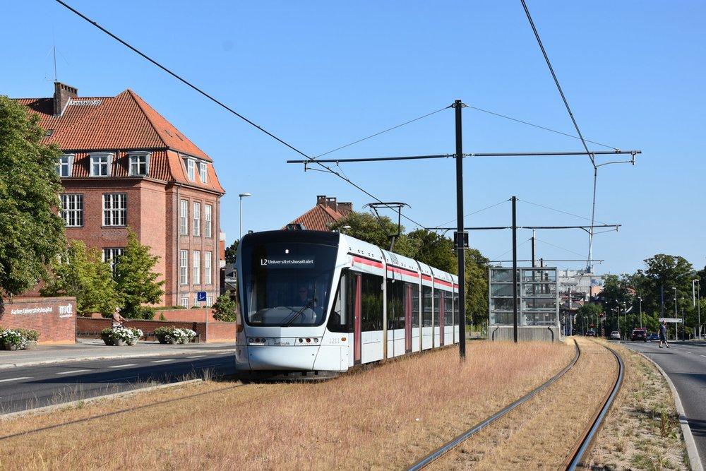 Momentálně jezdí v Aarhusu denně jen 4 vozy Variobahn. To by se ale mělo brzy změnit. (foto: Libor Hinčica)