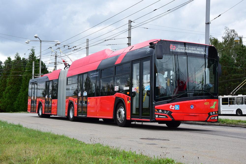 Trolejbus Škoda 27 Tr v Českých Budějovicích. Budějovický vůz ale v Praze testován nakonec nebyl a nebude. Namísto něj přijde vůz z Plzně. (foto: DPMČB)