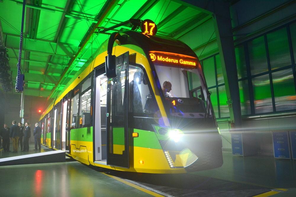 Odhalení tramvaje Moderus Gamma pro Poznaň dne 4. 10. 2018. (foto: Witold Urbanowicz)