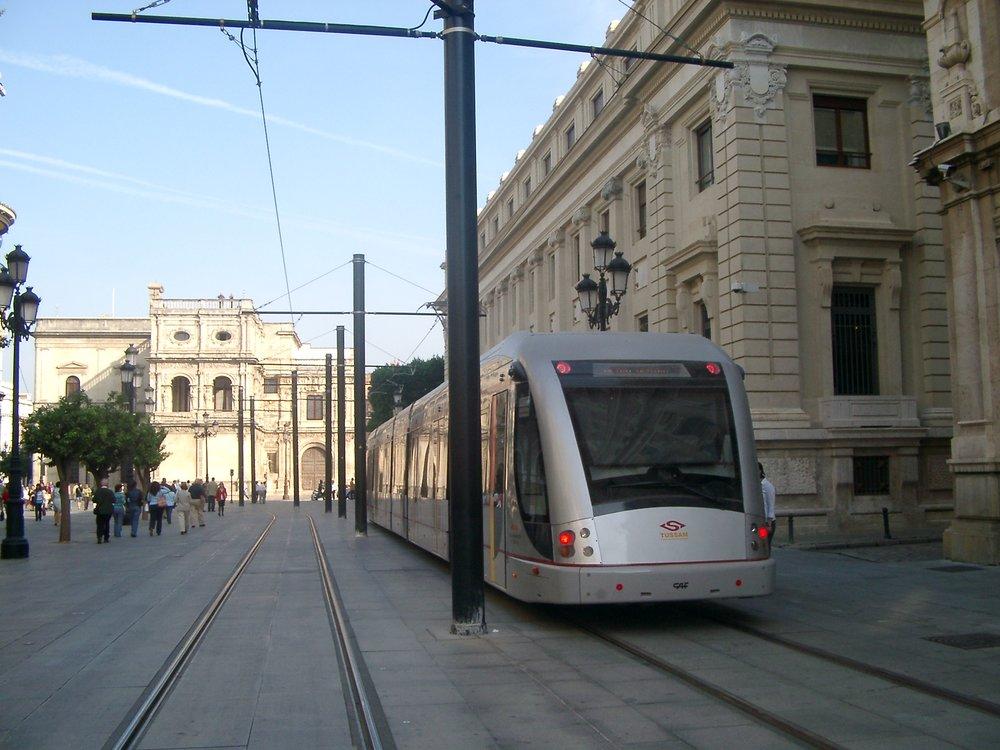 Tramvaj Urbos 2 vříjnu 2007. (foto: Miguel Cano López-Luzzatti)