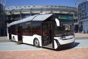 Běloruský MAZ představil svůj první elektrobus