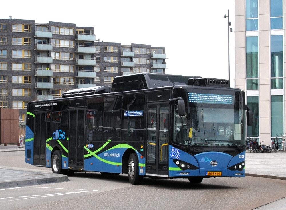 Elektrobus BYD K9 ve službách Keolisu. (zdroj: Wikipedia.org)