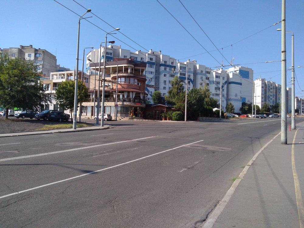 Sídliště Meden Rudnik a přístup do vozovny.