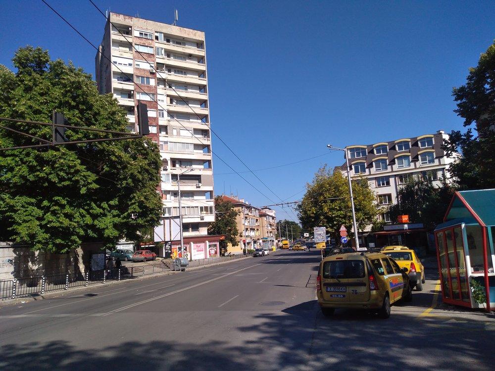 Tento a další snímky jsou již zcentra města.