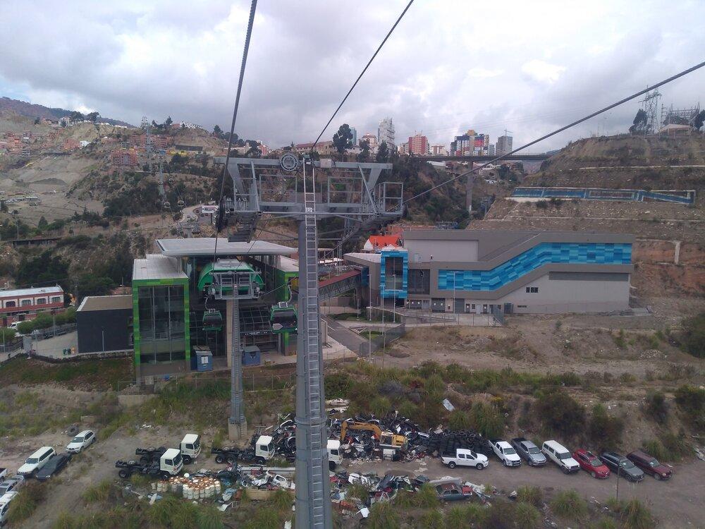 Pohledy směrem ke stanici Chuqui Apu (3x).