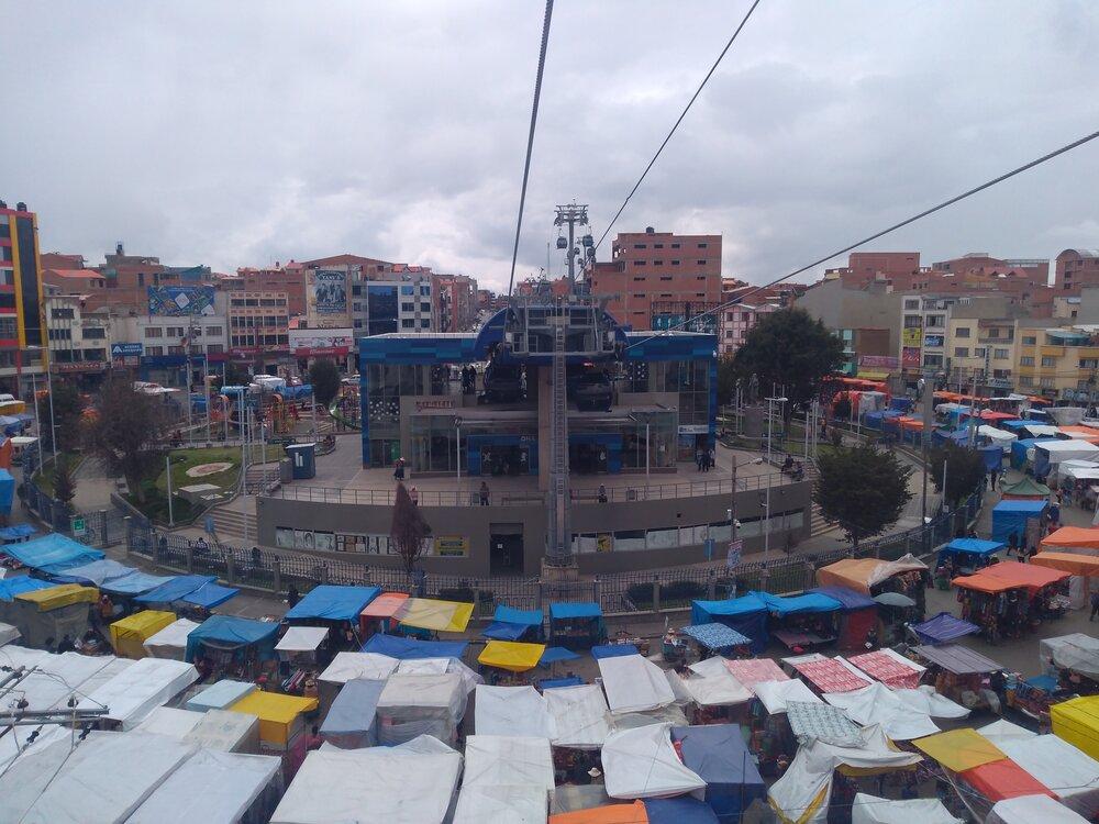 Stanice Suma Qamaña ještě jednou, tentokrát při pohledu od západu.