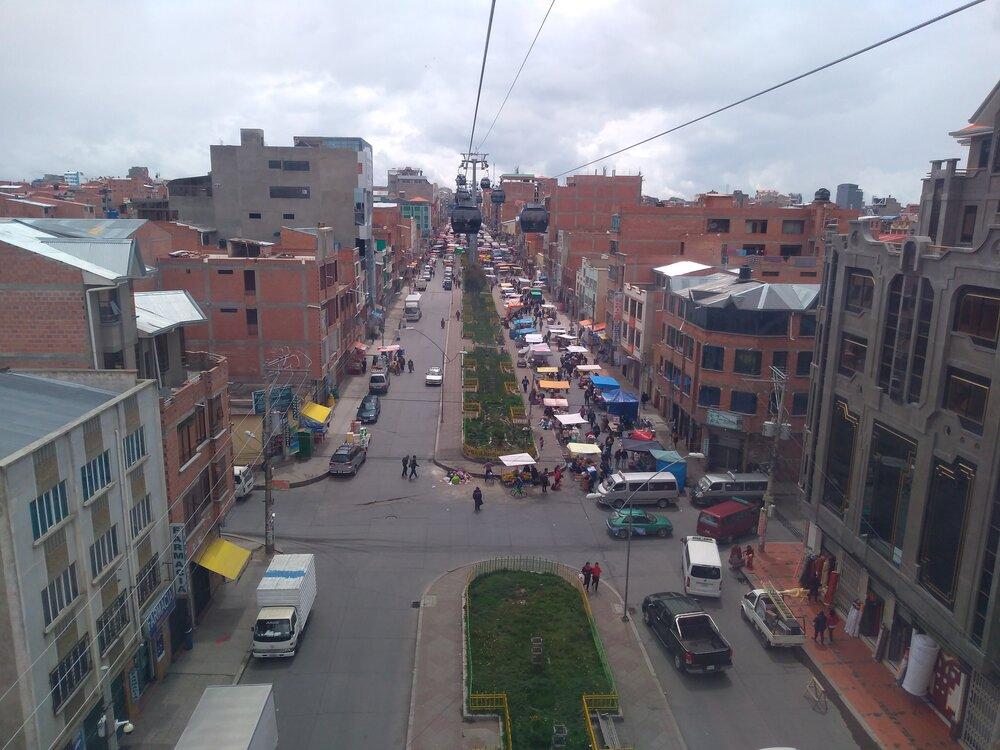 Ještě jednou pohled od západu směrem ke stanici Suma Qamaña.