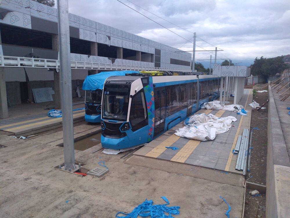 Touto dobou už měly být všechny tramvaje na místě, jak bylo opakovaně slibováno. Zdá se ovšem, že v Cochabambě jsou stále jen tři tramvaje, které tam došly už loni, dalších 5 je v Iquique a 4 zřejmě ještě stále spočívají v Evropě. (foto: -vh-)