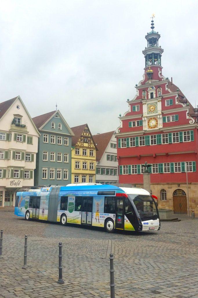 Trolejbusy jezdí momentálně v pouze třech německých městech. Jedním z nich je Esslingen, který se může pochlubit vozy od Solarisu v designu MetroStyle. (foto: Solaris Bus & Coach)